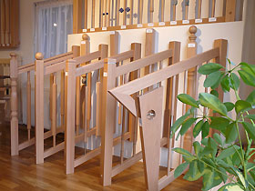 holzgel nder handl ufe aus holz f r ihre stiegen treppen stiegenstudio der tischlerei. Black Bedroom Furniture Sets. Home Design Ideas